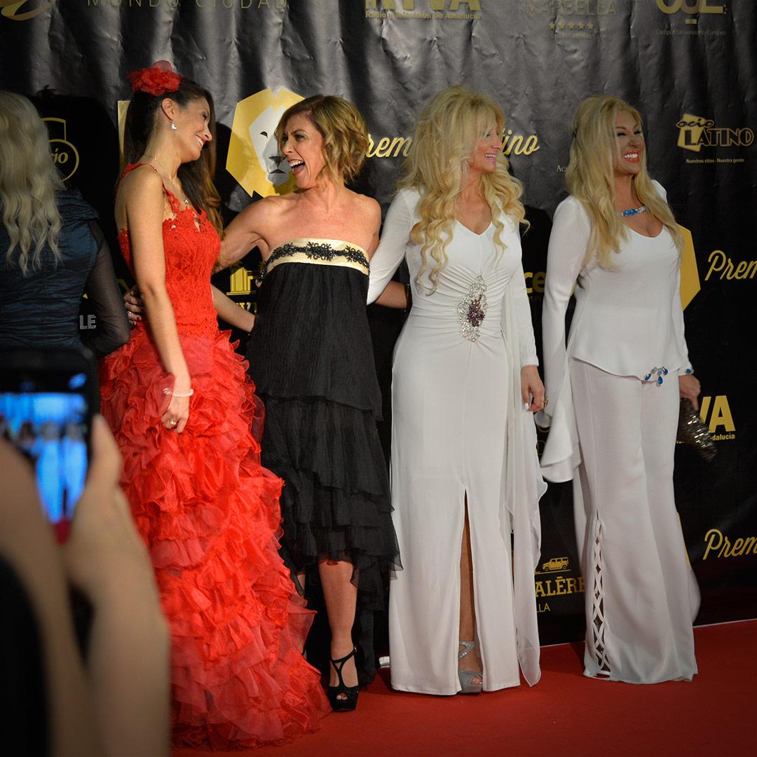 Ariana Soffici & actress Eva Isanta at Premios Latino www.stylepassion.net